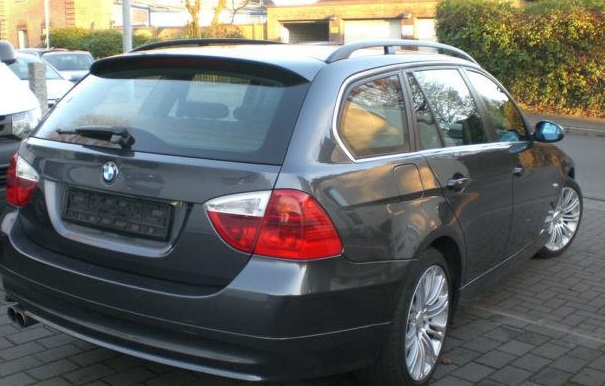 BMW 3 SERIES (12/2007) - GREY METALLIC - lieu: