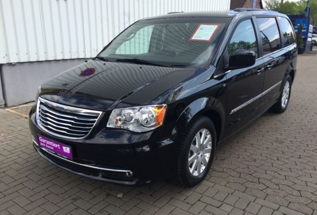 CHRYSLER GD VOYAGER (07/2013) - BLACK METALLIC - lieu: