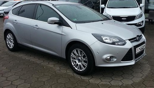 Lhd FORD FOCUS (06/2011) - SILVER METALLIC - lieu: