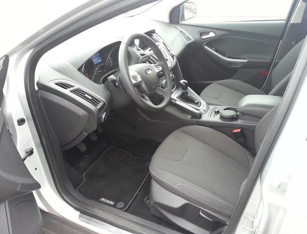 FORD FOCUS (06/2011) - SILVER METALLIC - lieu: