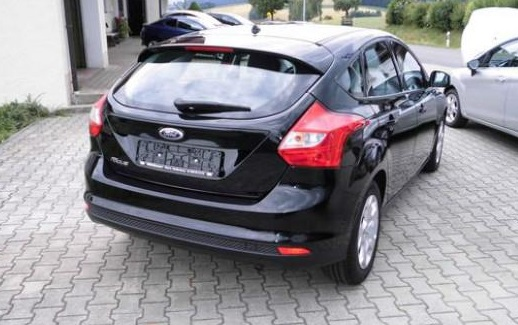 FORD FOCUS (00/0) - BLACK - lieu: