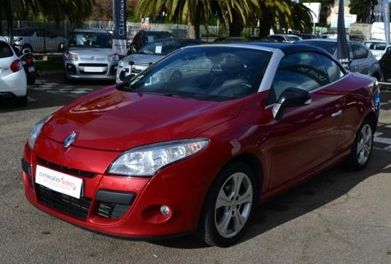 RENAULT MEGANE CC (03/2011) - RED METALLIC - lieu:
