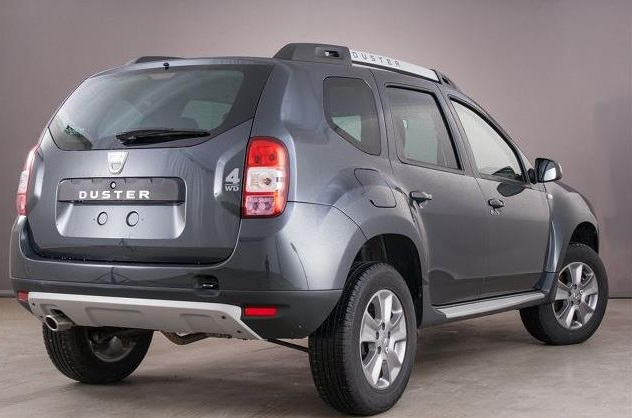dacia duster 10 2014 grey metallic lieu. Black Bedroom Furniture Sets. Home Design Ideas