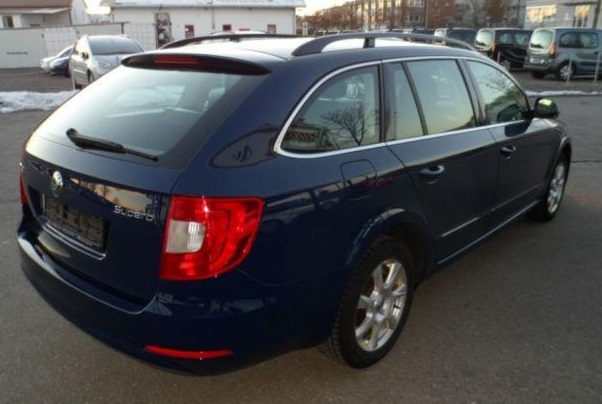 SKODA SUPERB (02/2012) - BLUE METALLIC - lieu: