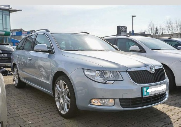 lhd SKODA SUPERB (03/2012) - SILVER METALLIC - lieu: