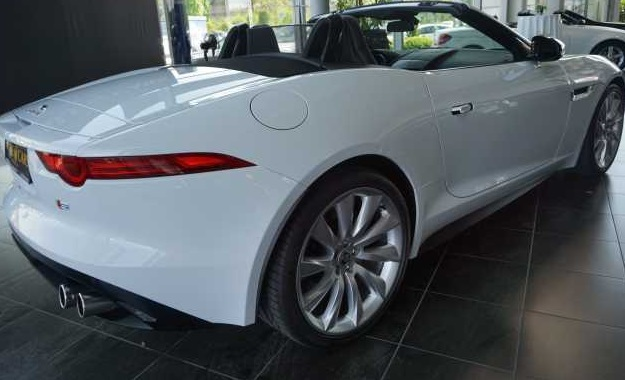 JAGUAR F TYPE (01/2014) - WHITE - lieu: