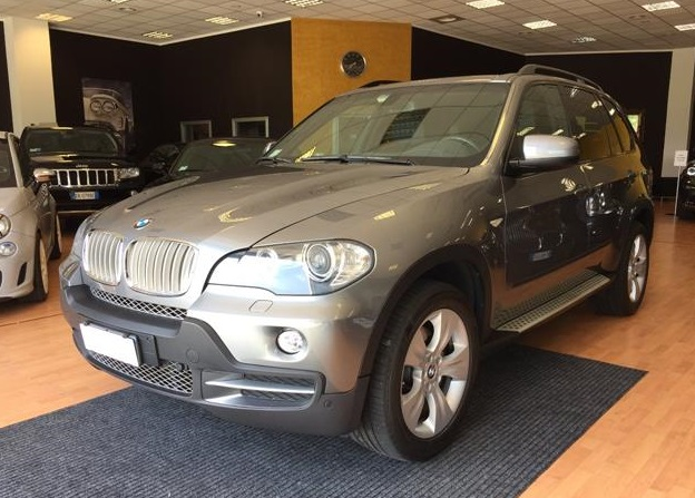 Lhd BMW X5 (08/2008) - GREY METALLIC - lieu: