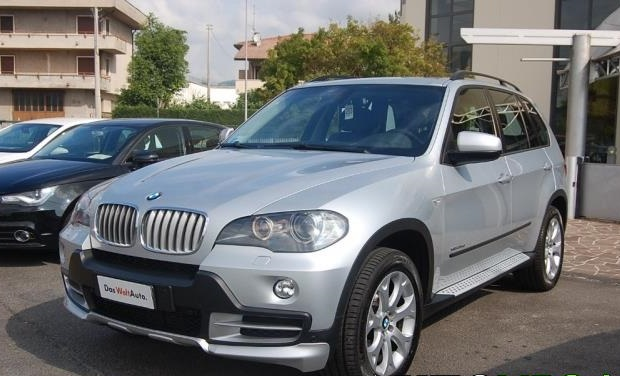 lhd BMW X5 (09/2010) - GREY METALLIC - lieu: