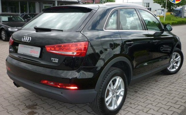 AUDI Q3 (05/2012) - BLACK METALLIC - lieu: