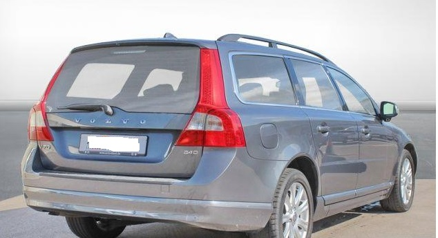 VOLVO V70 (12/2009) - GREY METALLIC - lieu: