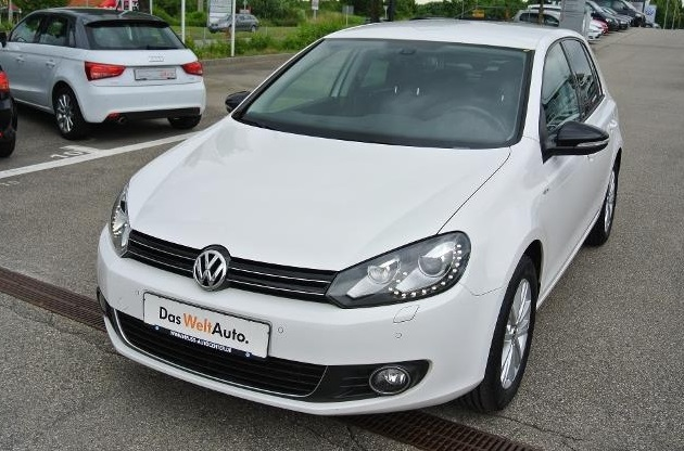 VOLKSWAGEN GOLF (02/2012) - WHITE - lieu: