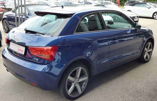 AUDI A1 (07/2011) - BLUE METALLIC - lieu: