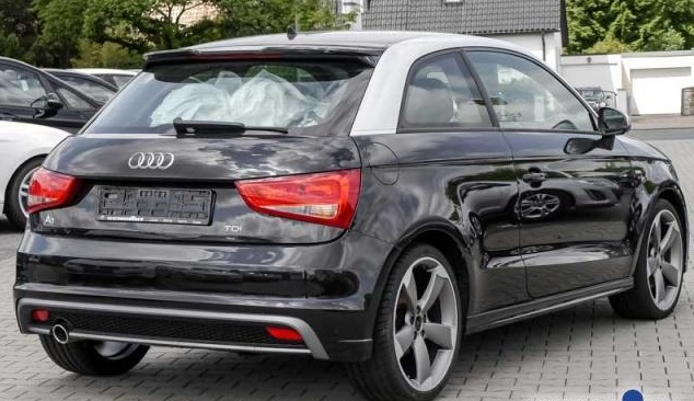 AUDI A1 (03/2011) - BLACK METALLIC - lieu: