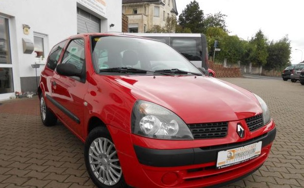 Lhd Renault Clio  12  2002  - Red