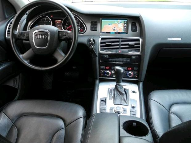 AUDI Q7 (07/2008) - GREY METALLIC - lieu: