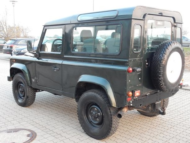 lhd LANDROVER DEFENDER (03/1998) - DARK GREEN - lieu: