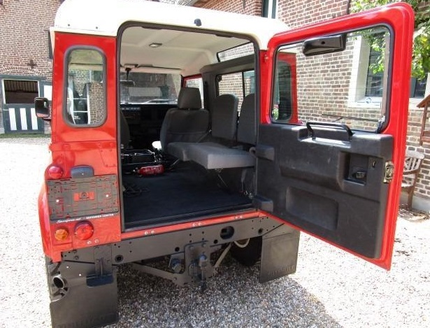 LANDROVER DEFENDER (08/2005) - RED - lieu: