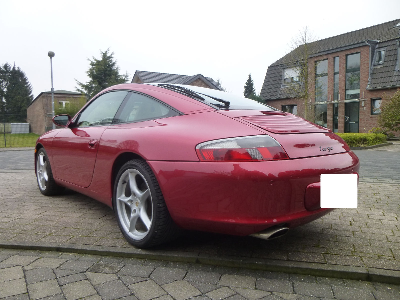 PORSCHE 911 996 (07/2003) - RED METALLIC - lieu: