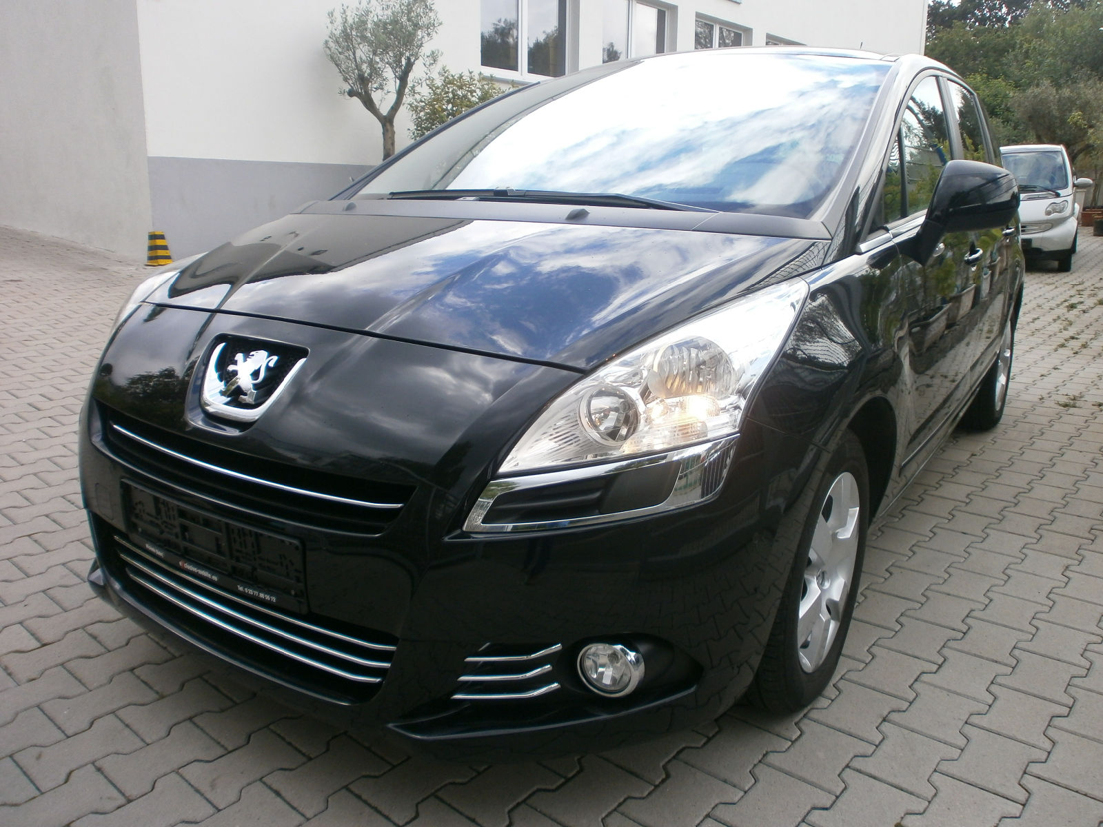 PEUGEOT 5008 1.6 HDI BUSINESS LINE 7 SEATS