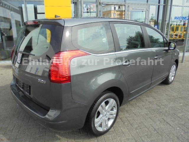 PEUGEOT 5008 (07/2010) - GREY METALLIC - lieu: