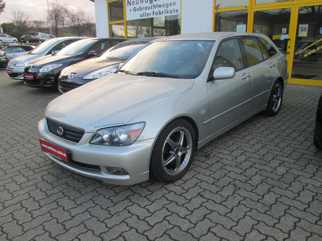 LEXUS IS 200 2.0 SPORTCROSS