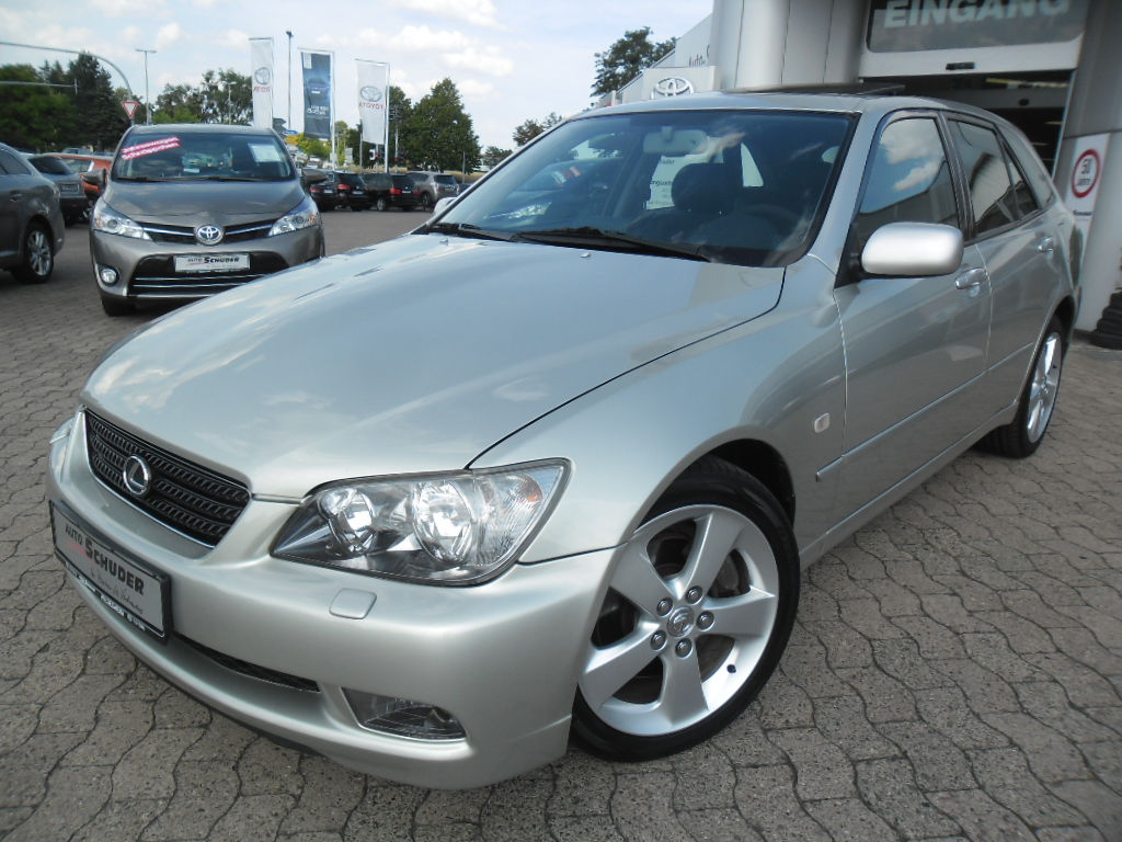Lhd LEXUS IS 200 (05/2004) - SILVER - lieu: