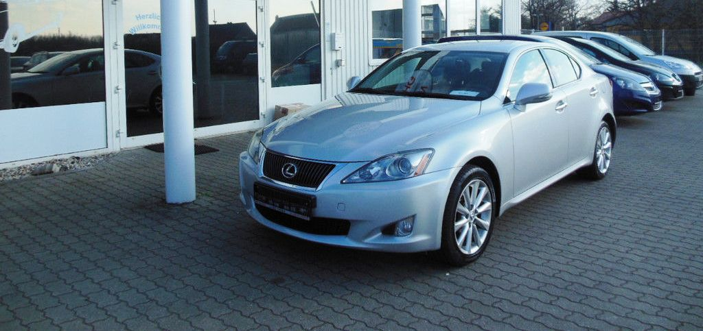 LEXUS IS 220 2.2 D LUXE LINE