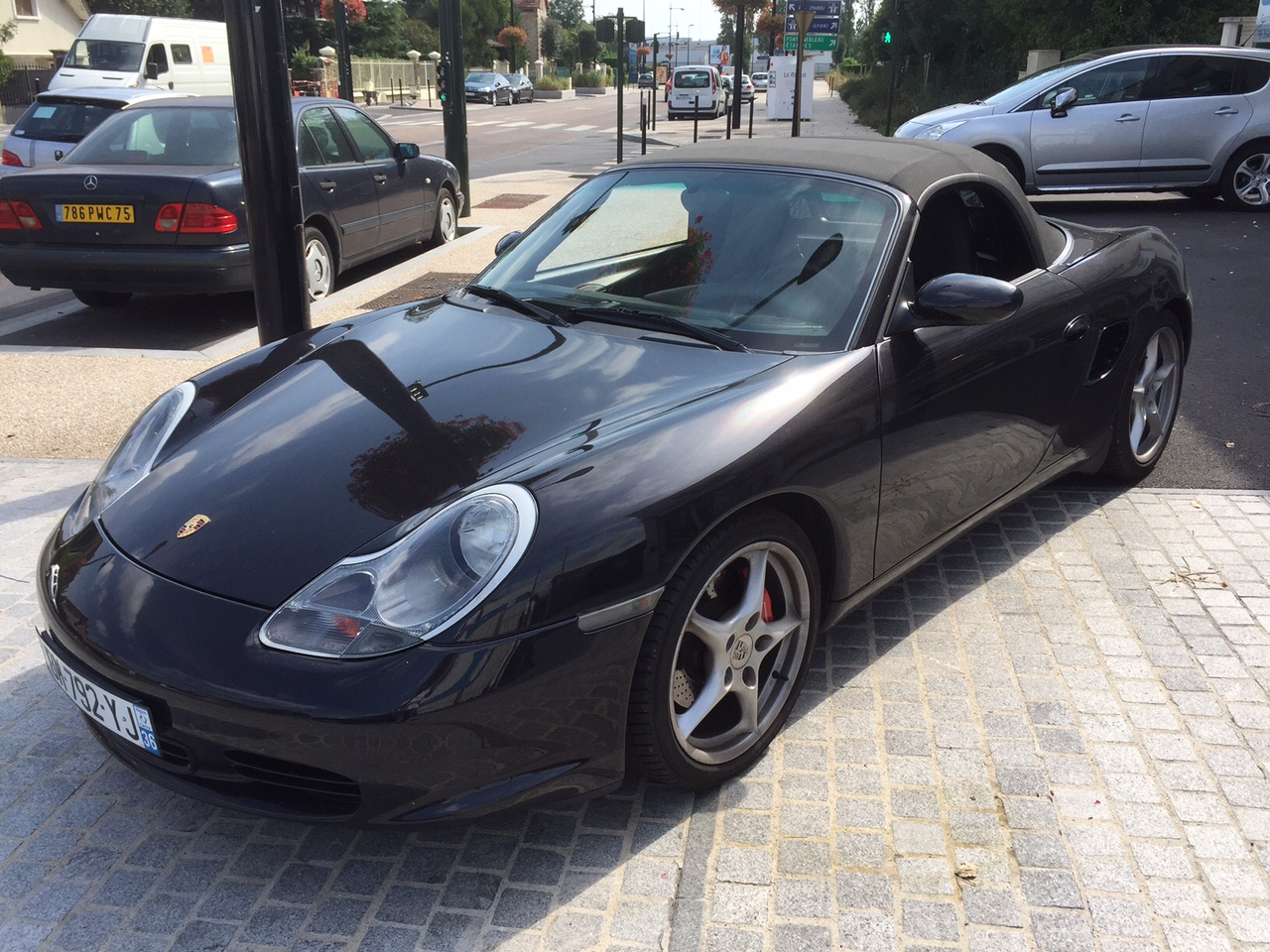 Left hand drive PORSCHE BOXSTER S 3.2 FRENCH REGISTERED