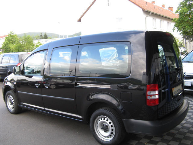 VOLKSWAGEN CADDY (02/2011) - BLACK - lieu: