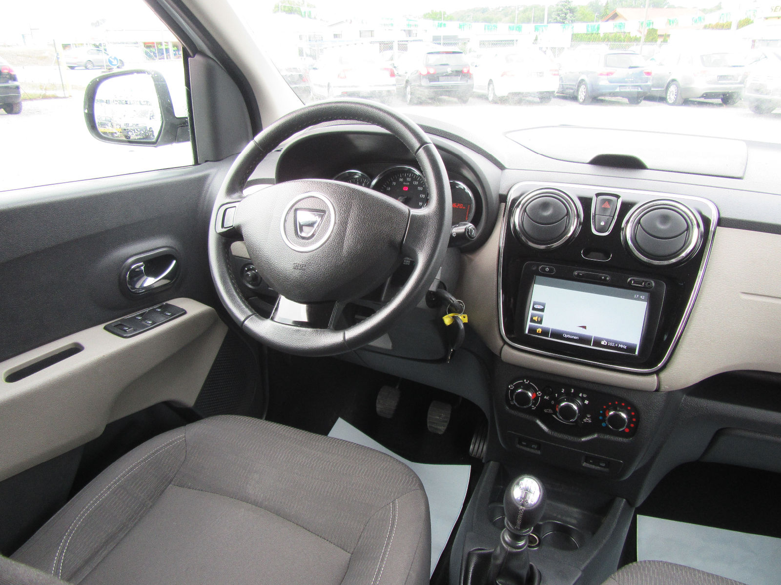DACIA LODGY (06/2012) - WHITE - lieu: