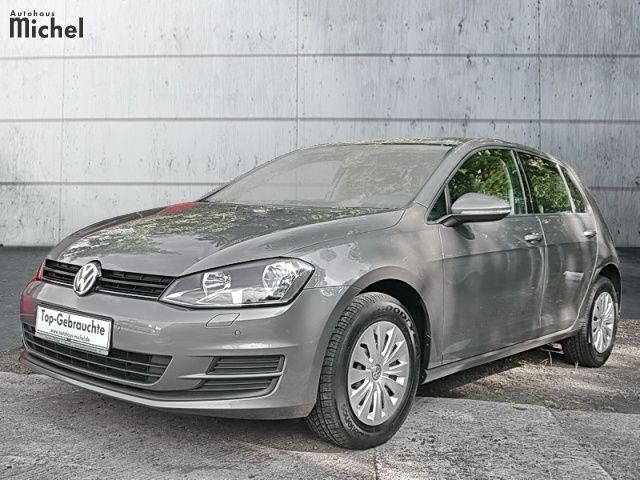 lhd VOLKSWAGEN GOLF (08/2014) - GREY METALLIC - lieu: