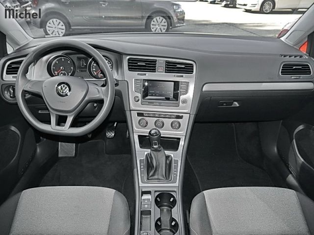 VOLKSWAGEN GOLF (08/2014) - GREY METALLIC - lieu: