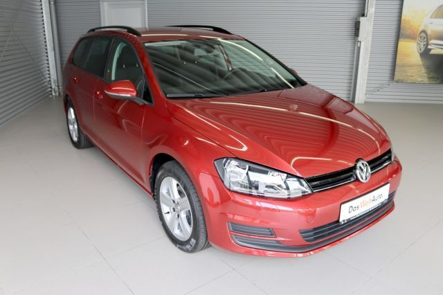 lhd VOLKSWAGEN GOLF (11/2013) - RED METALLIC - lieu: