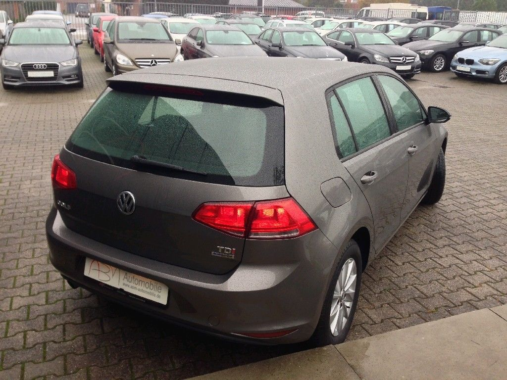 lhd car VOLKSWAGEN GOLF (03/2014) - GREY METALLIC - lieu: