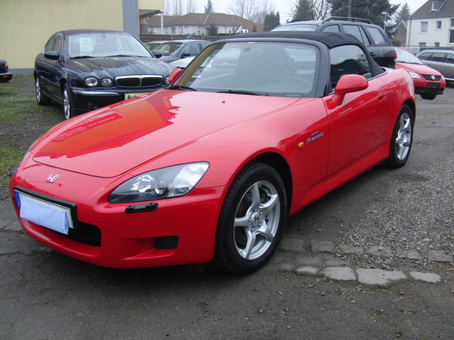 HONDA S2000 (02/2000) - RED - lieu: