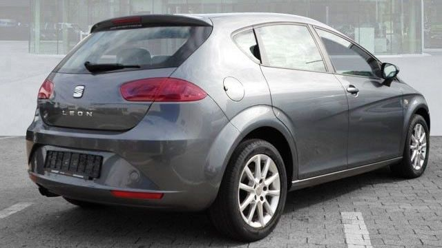 SEAT LEON (04/2012) - GREY METALLIC - lieu: