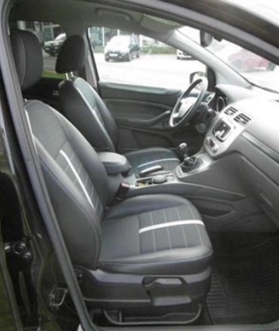 FORD KUGA (09/2009) - BLACK METALLIC - lieu: