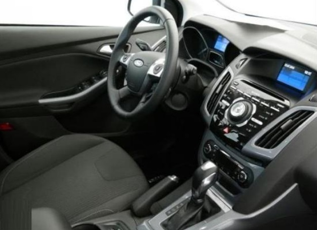 FORD FOCUS (07/2012) - BLACK - lieu: