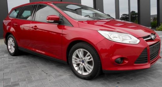 lhd FORD FOCUS (06/2012) - RED - lieu: