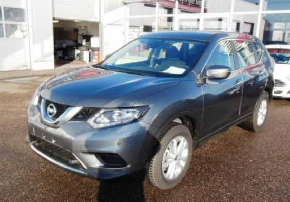 lhd NISSAN X TRAIL (06/2015) - GREY METALLIC - lieu: