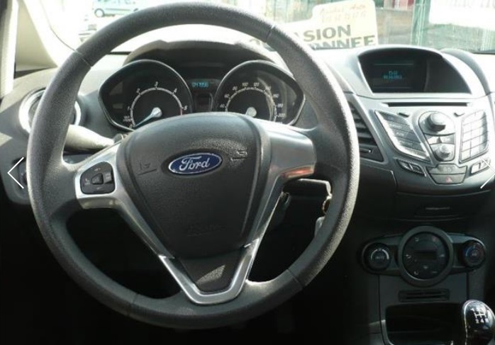 FORD FIESTA (05/2014) - DARK SILVER METALLIC - lieu: