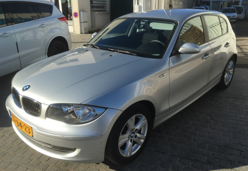 Lhd BMW 1 SERIES (08/2009) - SILVER METALLIC - lieu:
