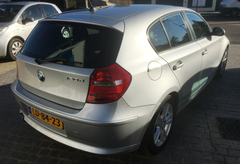 lhd car BMW 1 SERIES (08/2009) - SILVER METALLIC - lieu: