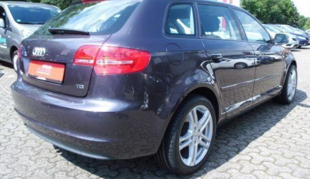AUDI A3 (11/2011) - GREY METALLIC - lieu: