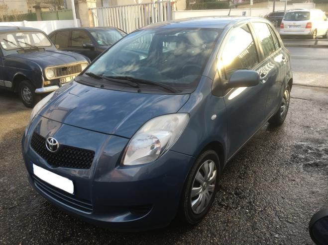 Left hand drive TOYOTA YARIS 1.3 vvti 87 luna pack FRENCH REG