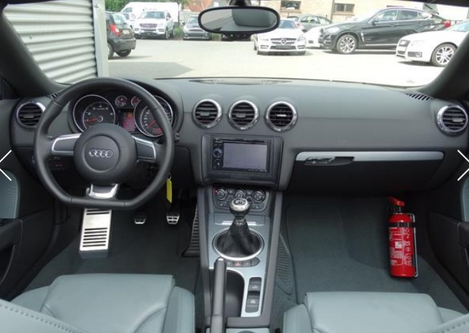 Left hand drive car AUDI TT (09/2009) - GREY - lieu: