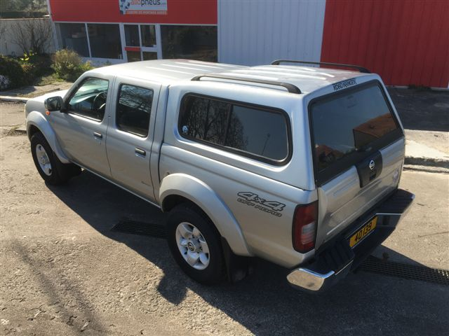 Left hand drive NISSAN NAVARA 2.5 TDI PICK UP HARD TOP 4X4