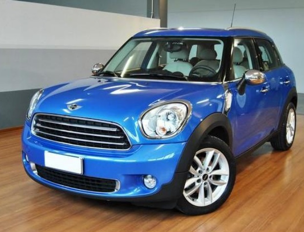 Left hand drive MINI COUNTRYMAN Cooper D Countryman