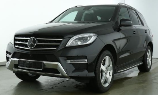 lhd MERCEDES ML CLASS (01/2015) - BLACK METALLIC - lieu:
