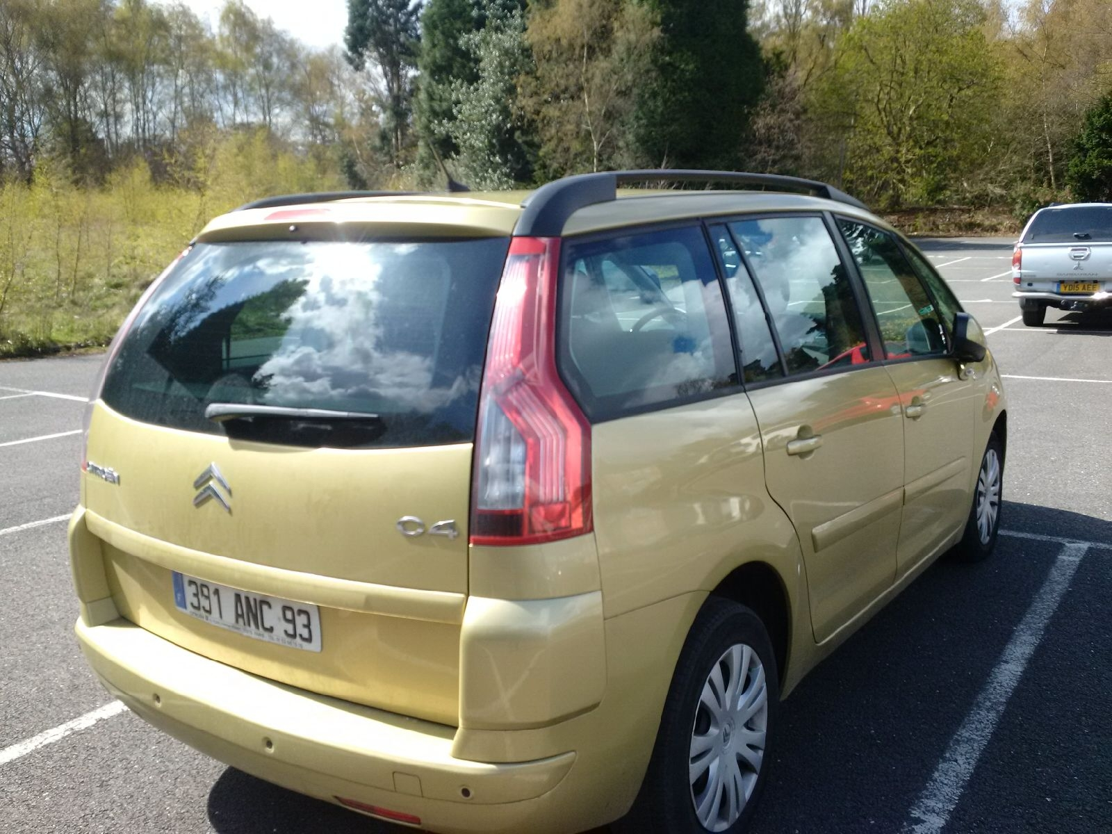 citroen c4 grand picasso 10 2008 metallic gold lieu. Black Bedroom Furniture Sets. Home Design Ideas